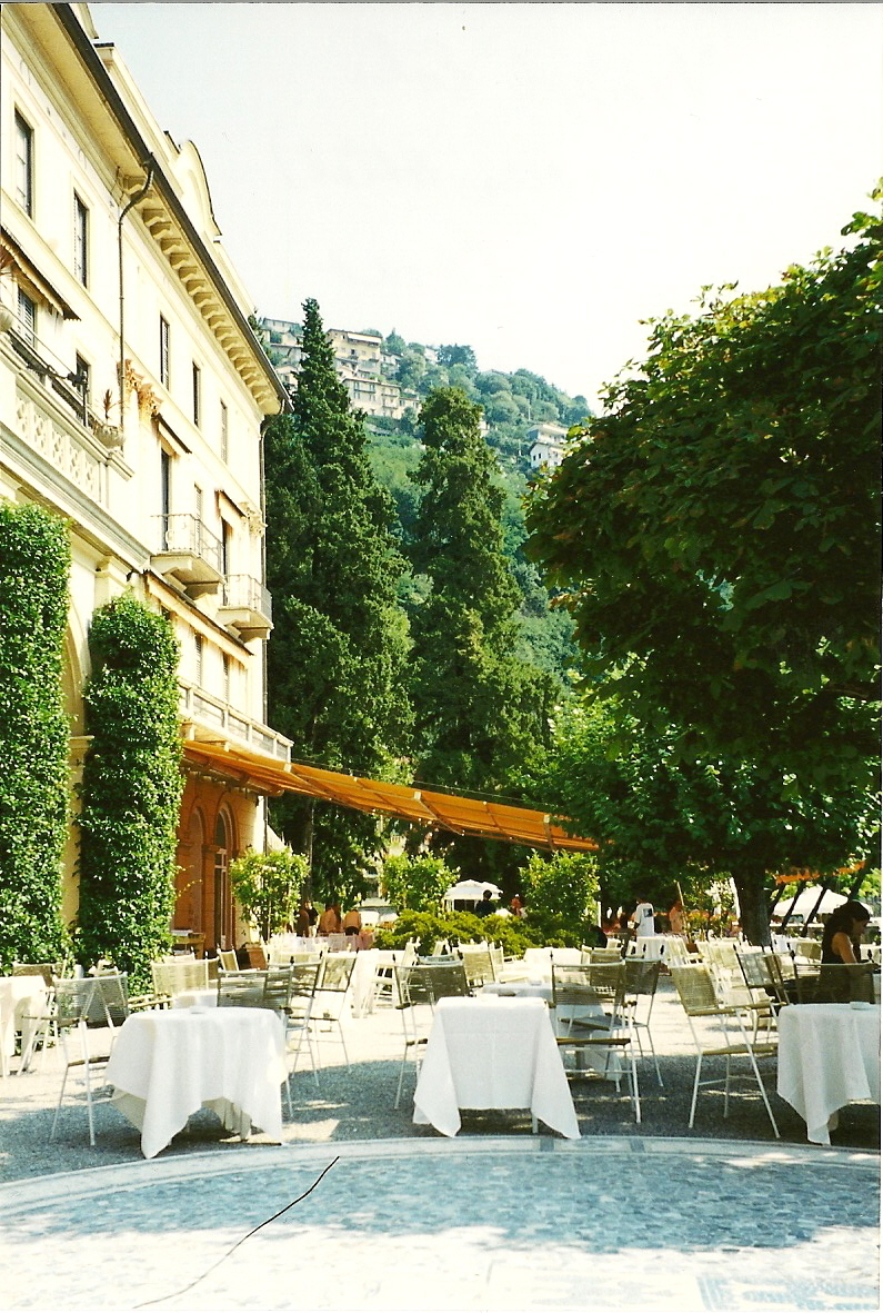Visiting italy italian restaurant tips learn italian for Villa d este como ristorante
