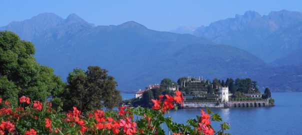 Lago Maggiore,: Italian reservations made for a view of Isola Bella